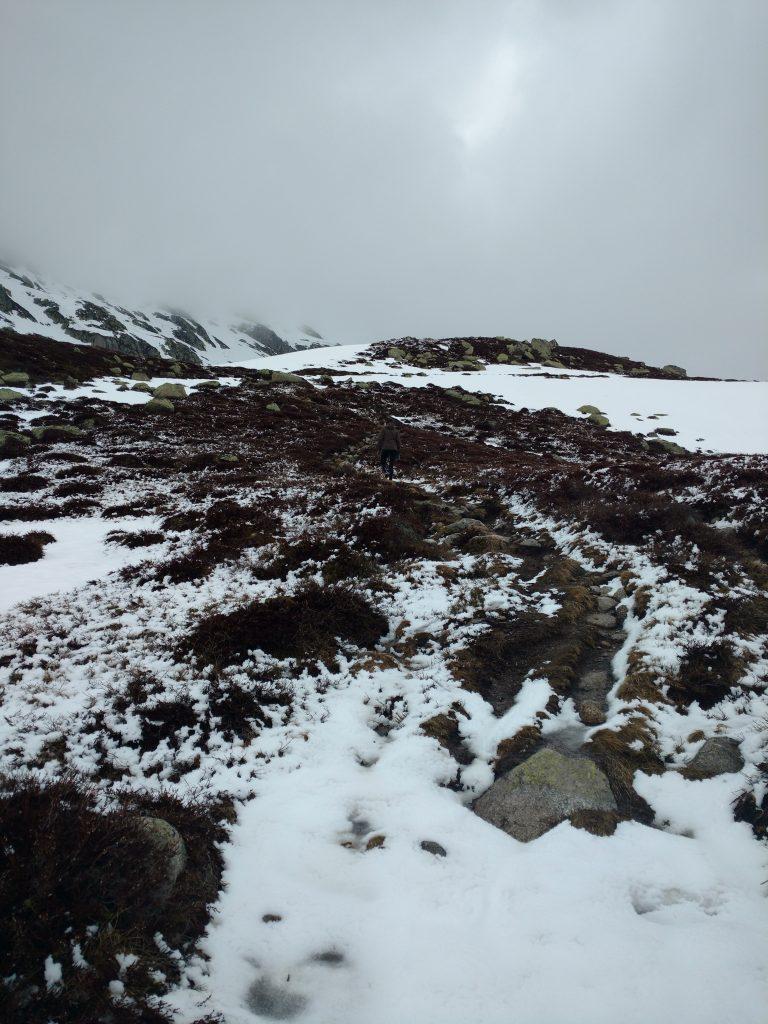 Andermatt hiking in winter