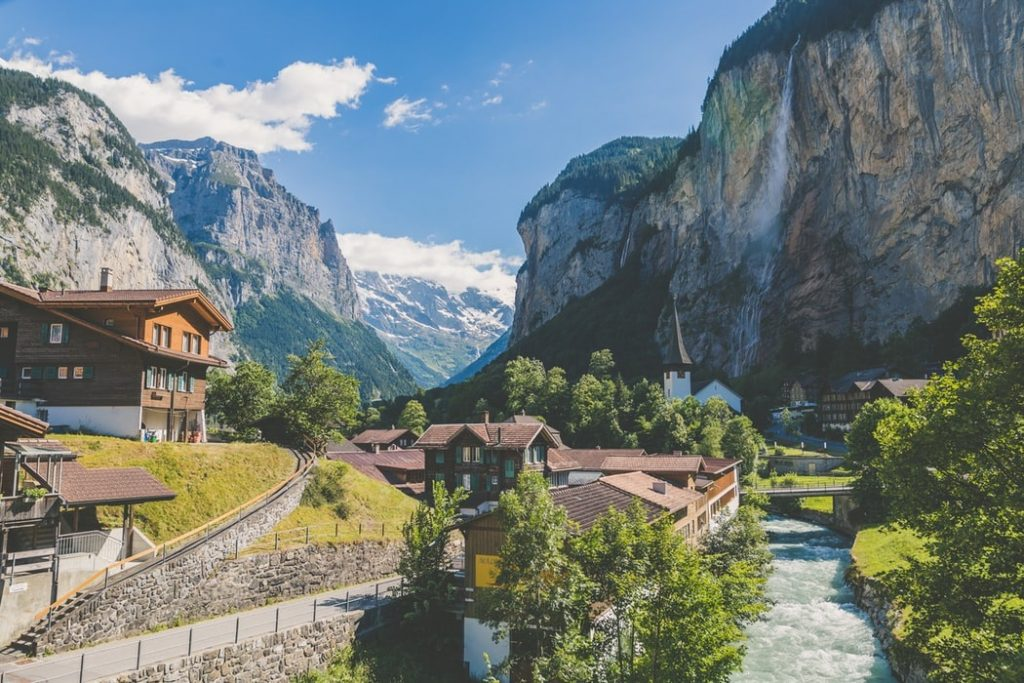 Lauterbrunnen hiking trails