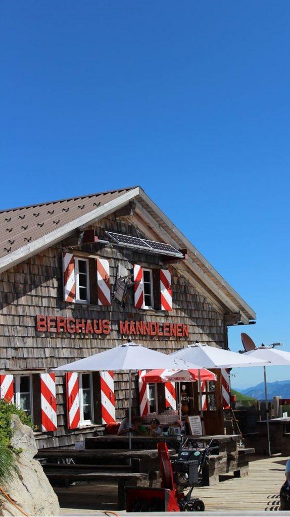 Manndlenen hut