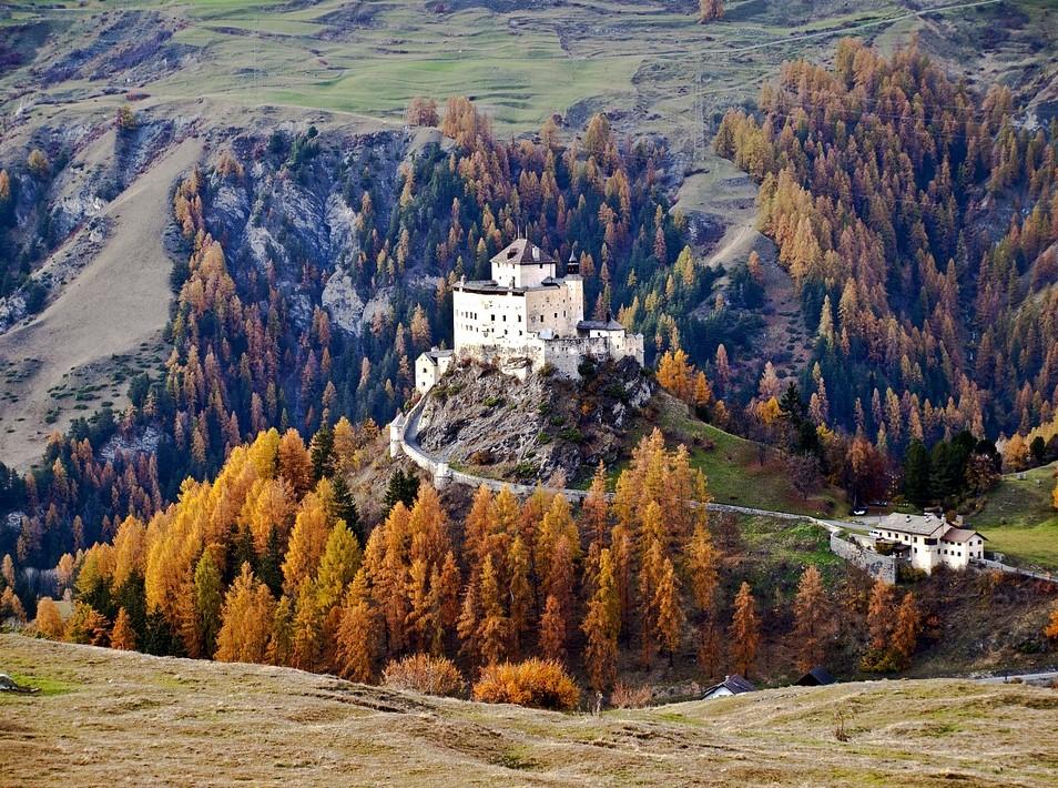Tarasp Castle